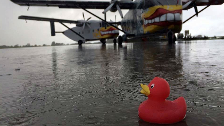 weather-skyvan-duck-rain-puddle-FI