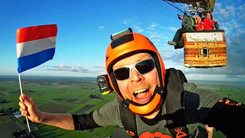 Author James 'Macca' Macdonald takes a mega selfie on a sunset balloon jump at Elsefly