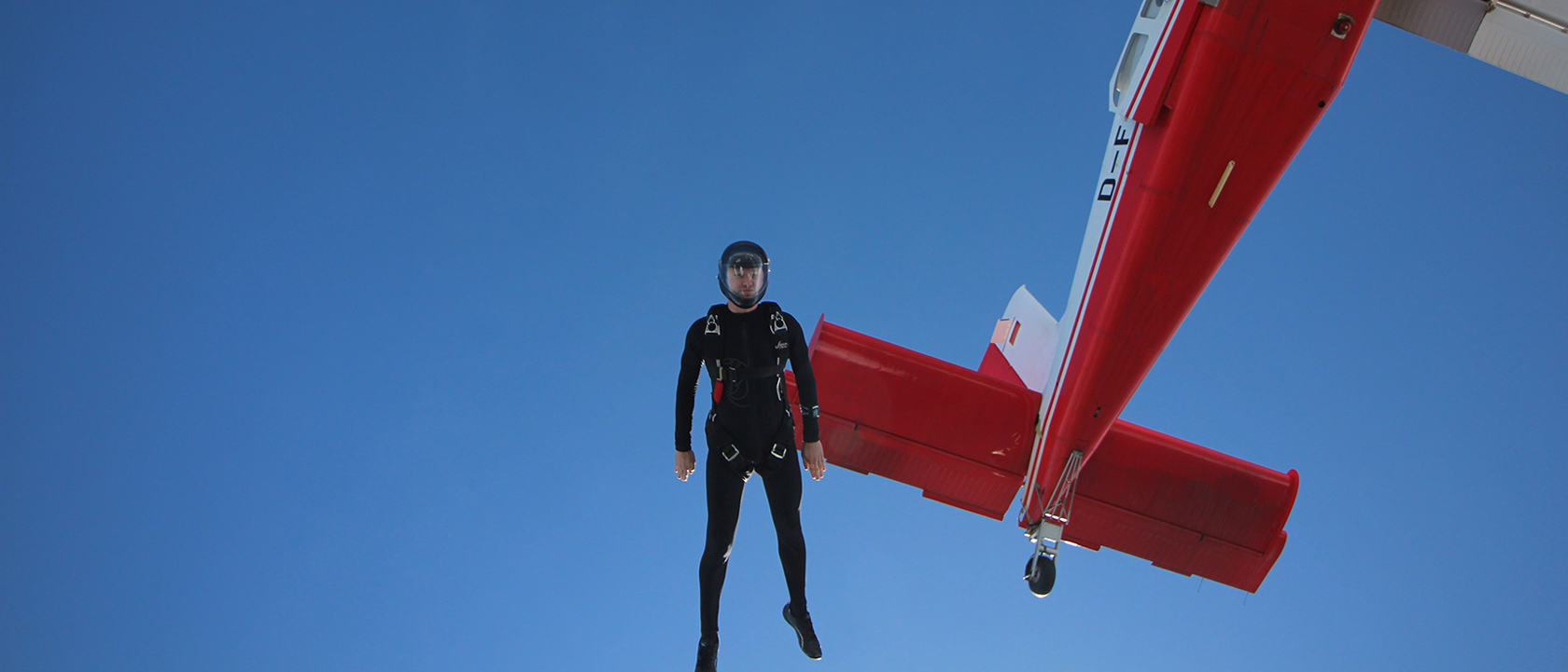 Skydiving at over 500 km per hour
